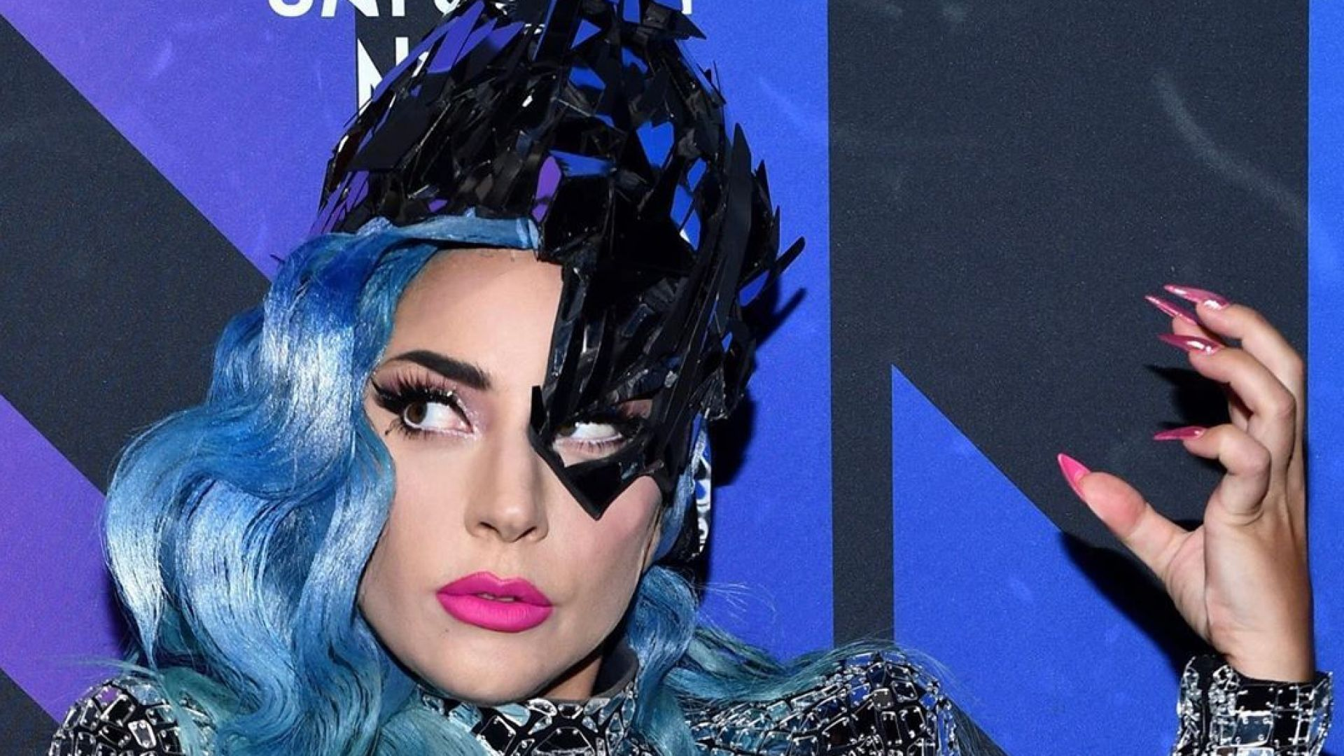 Лейди Гага: да откажеш цигарите е брутално