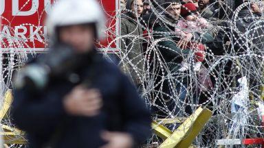Ескалира напрежението по границата между Гърция и Турция (снимки и видео)