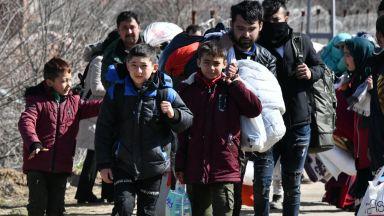 Защо Гърция е по-удобна от България за мигрантско изнудване от Анкара