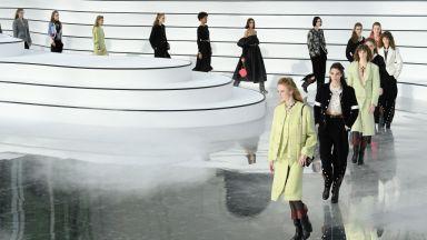 Завръщането на модата на парижките модни подиуми
