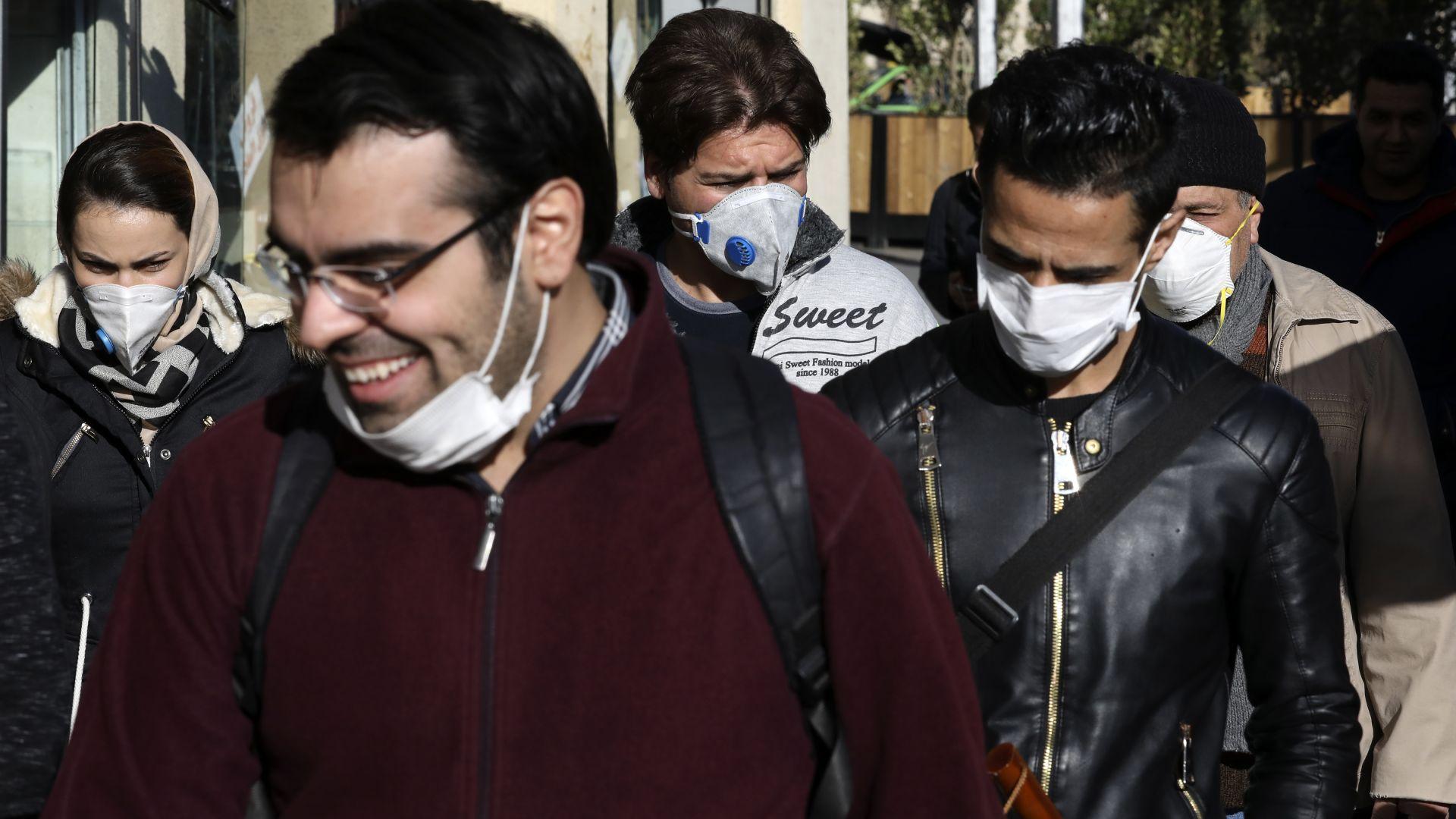Иран пусна 54 000 затворници на свобода заради коронавируса