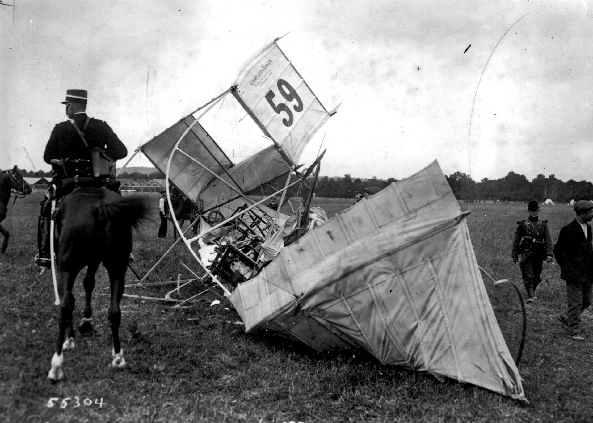Кадри от катастрофиралия самолет