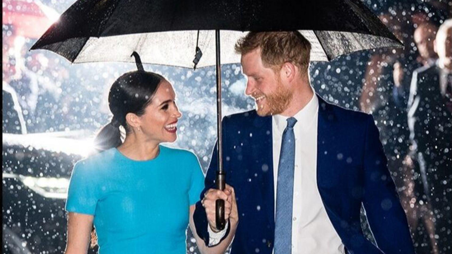 Щастливи и влюбени: Принц Хари и Меган с първи общ ангажимент в Кралството след Мегзит