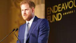 Принц Хари с години поддържал тайна страница във Фейсбук