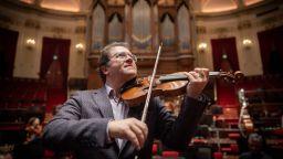 Веско Ешкенази споделя своите музи в грандиозен юбилеен концерт