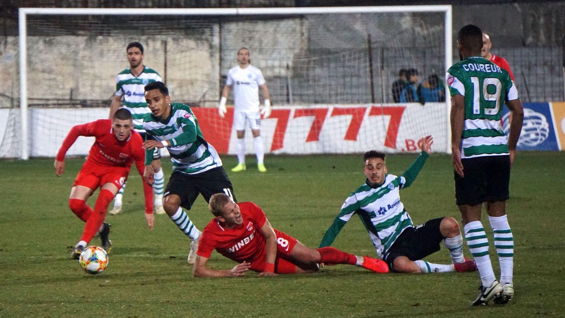 Футболист от Първа лига е играл с положителен тест за Covid-19 в официален мач