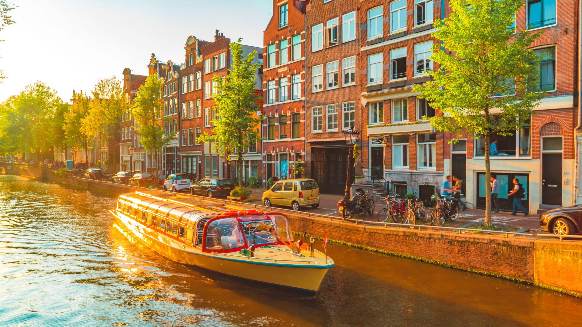 Корабчетата в Амстердам стават електрически предсрочно