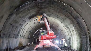 """Ремонтите на виадуктите на АМ """"Хемус"""" приключват, но не и на тунелите"""
