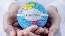 Новият коронавирус: Какво е COVID-19 и откъде идва?