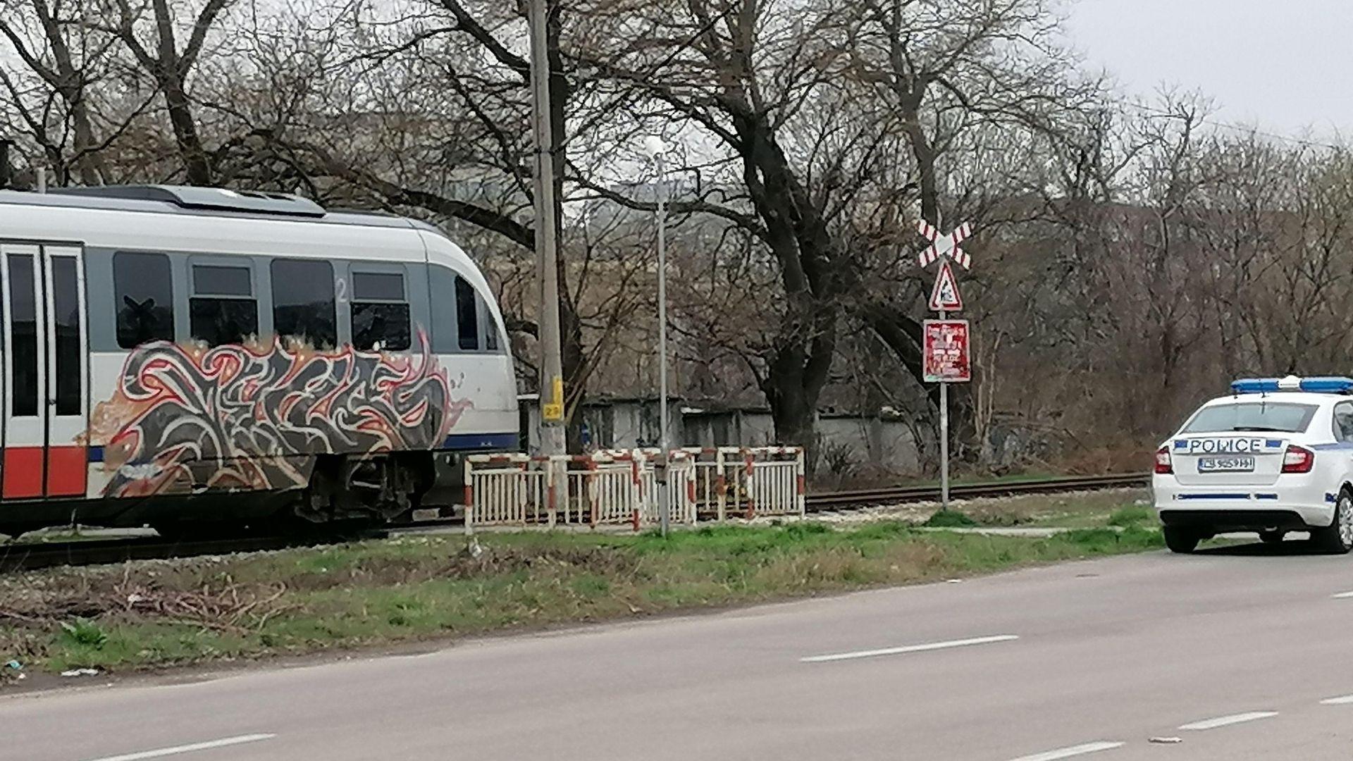 Международният влак от Букурещ блъсна пешеходец в Русе (снимки)