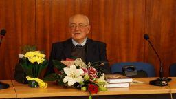Почина литературният историк проф. Иван Сарандев