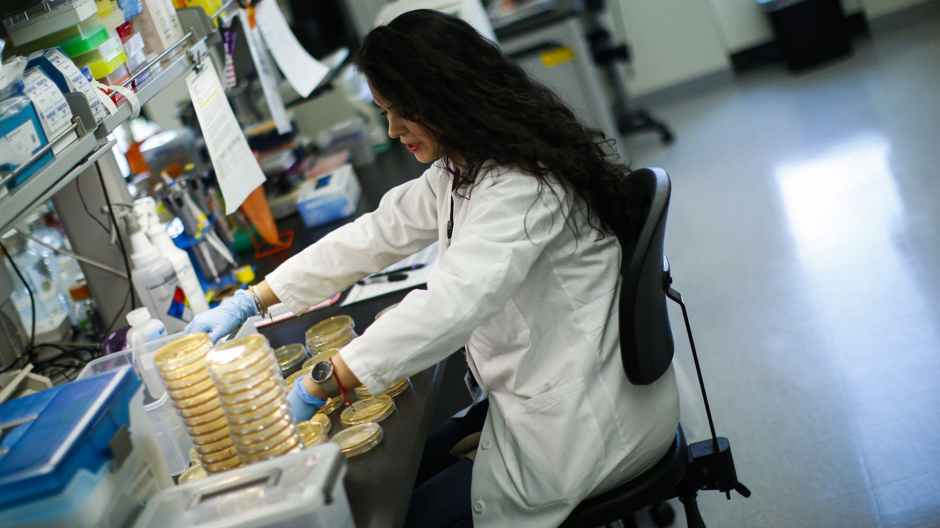 РЗИ-Варна търси доброволци за борба с коронавируса