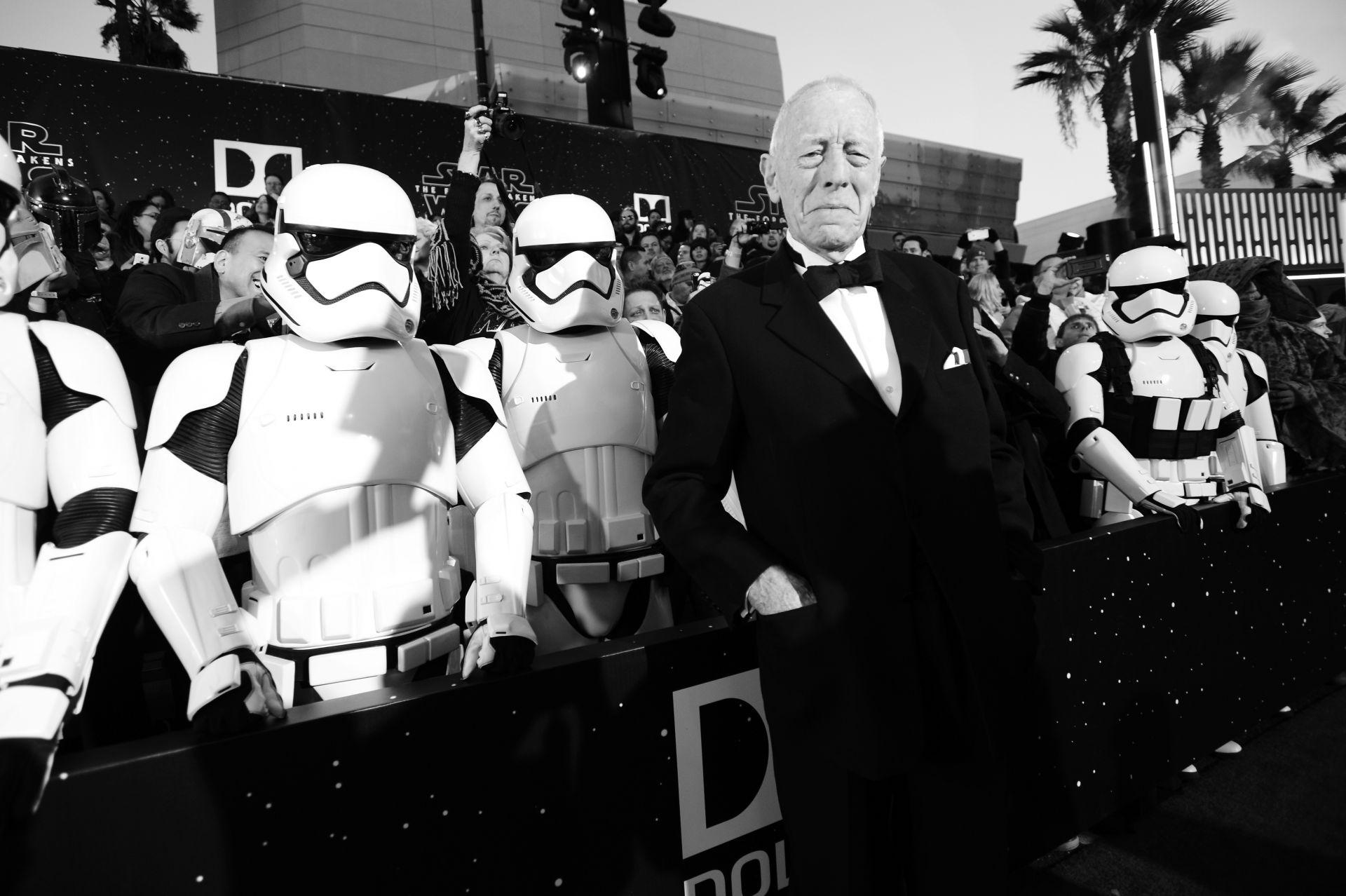 """Актьорът присъства на световната премиера на """"Междузвездни войни: Силата се пробужда"""" в Холивуд през 2015 г."""