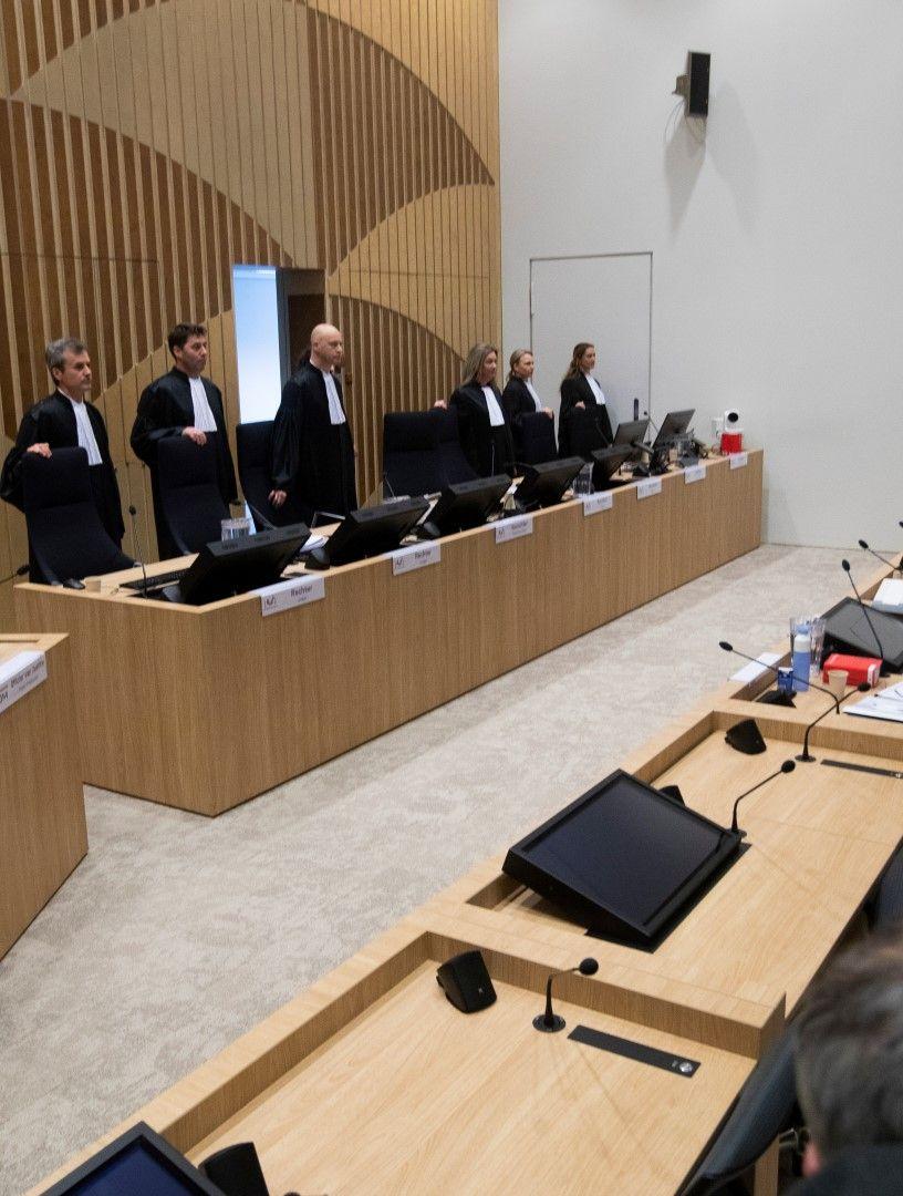 Съдебният състав по делото. Местата на обвиняемите останаха празни