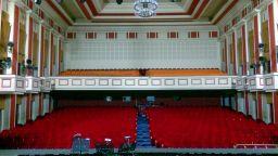 Музикалният театър започва ремонт, докато трае забраната за спектакли