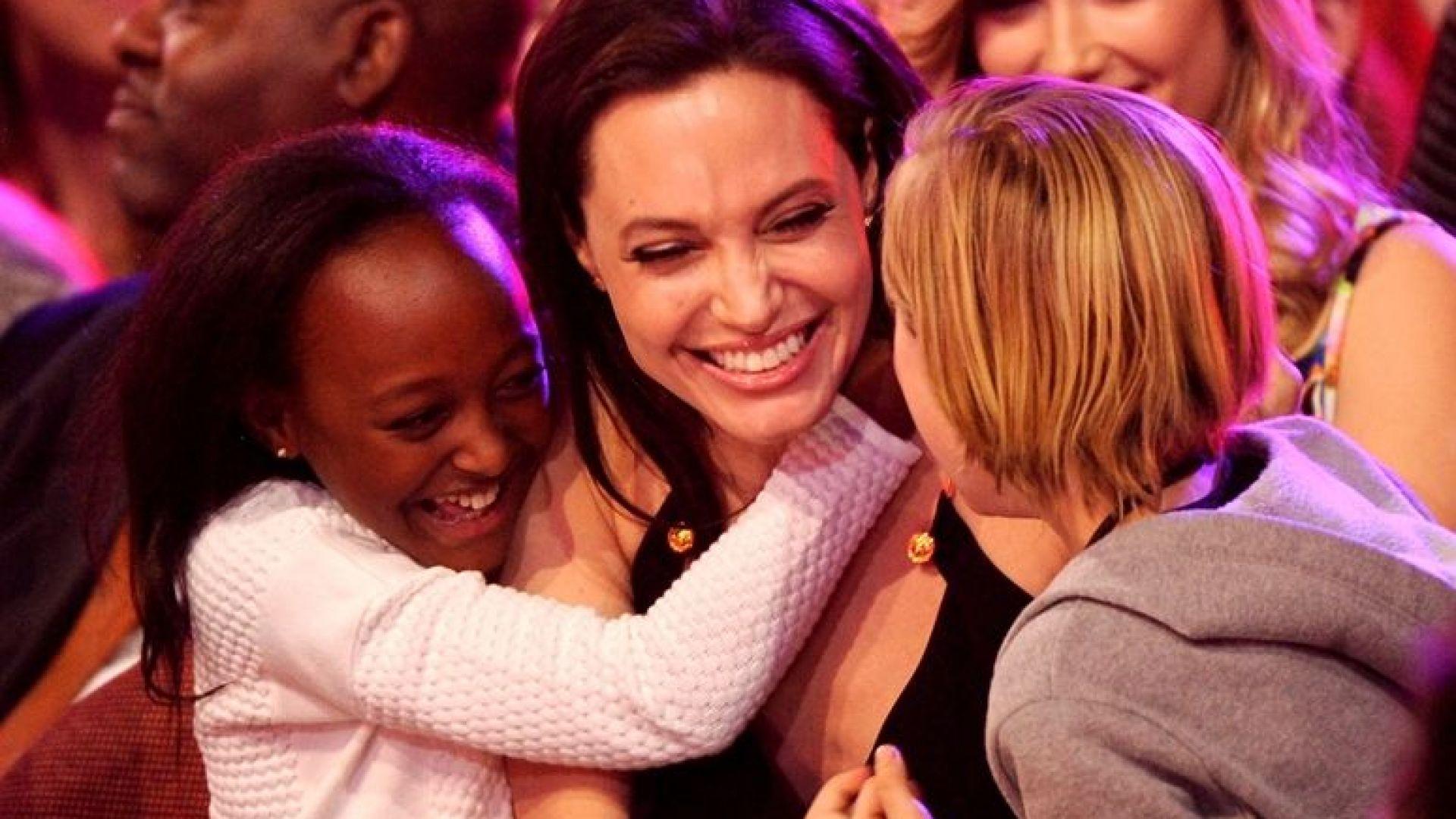 За два месеца две от дъщерите на Анджелина Джоли са били оперирани