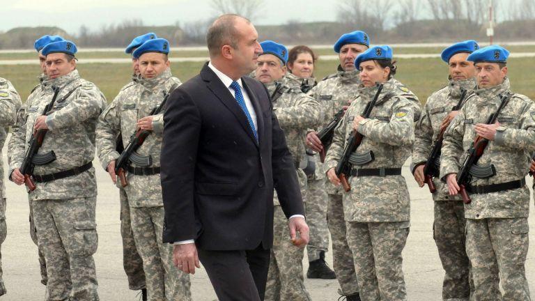 Президентът Румен Радев ще посети авиобазата