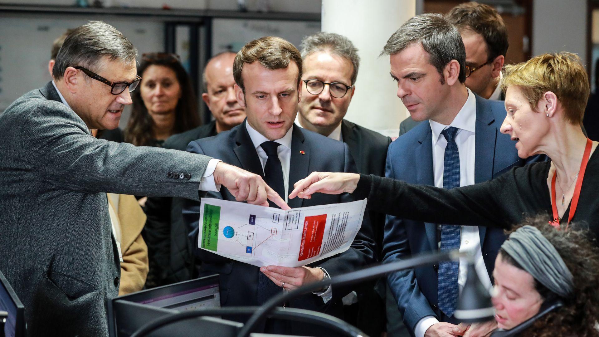 Френският президент Еманюел Макрон посети днес Марсилия, за да разговаря