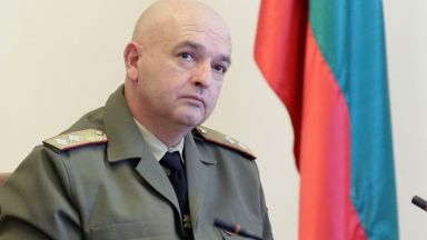 Как генерал Мутафчийски стана истинската звезда на социалните мрежи