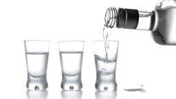 Има я! Руски учени създадоха водка, която не предизвиква махмурлук