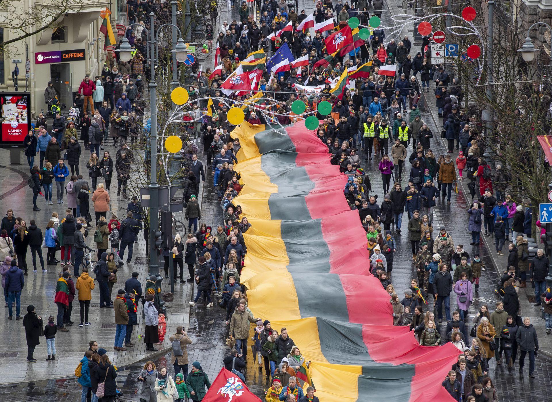 Литва празнува 30 години от обявяването на независимостта си от Съветския съюз