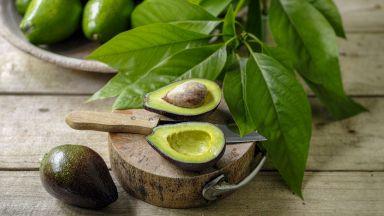 Авокадо, сладък картоф и яйца срещу оплешивяване