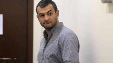 Антон Божков остава на свобода срещу 1 милион лева