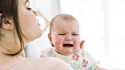 Плачът има благоприятен ефект върху бебетата