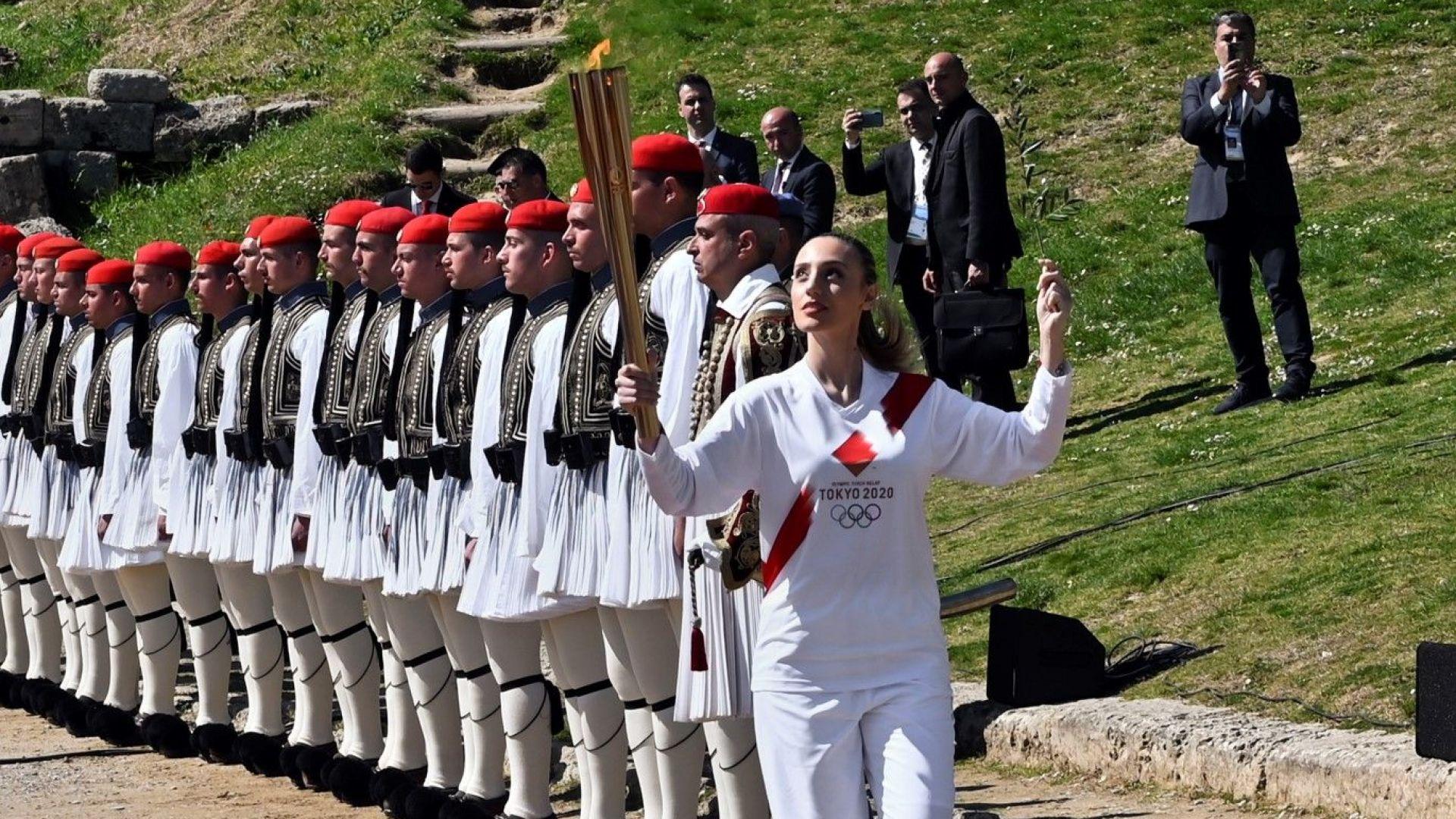 В Гърция прекратиха щафетата с олимпийския огън
