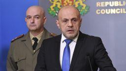 Дончев: Не можем да си позволим да не се спазва карантината, ще се ограничава свободното движение