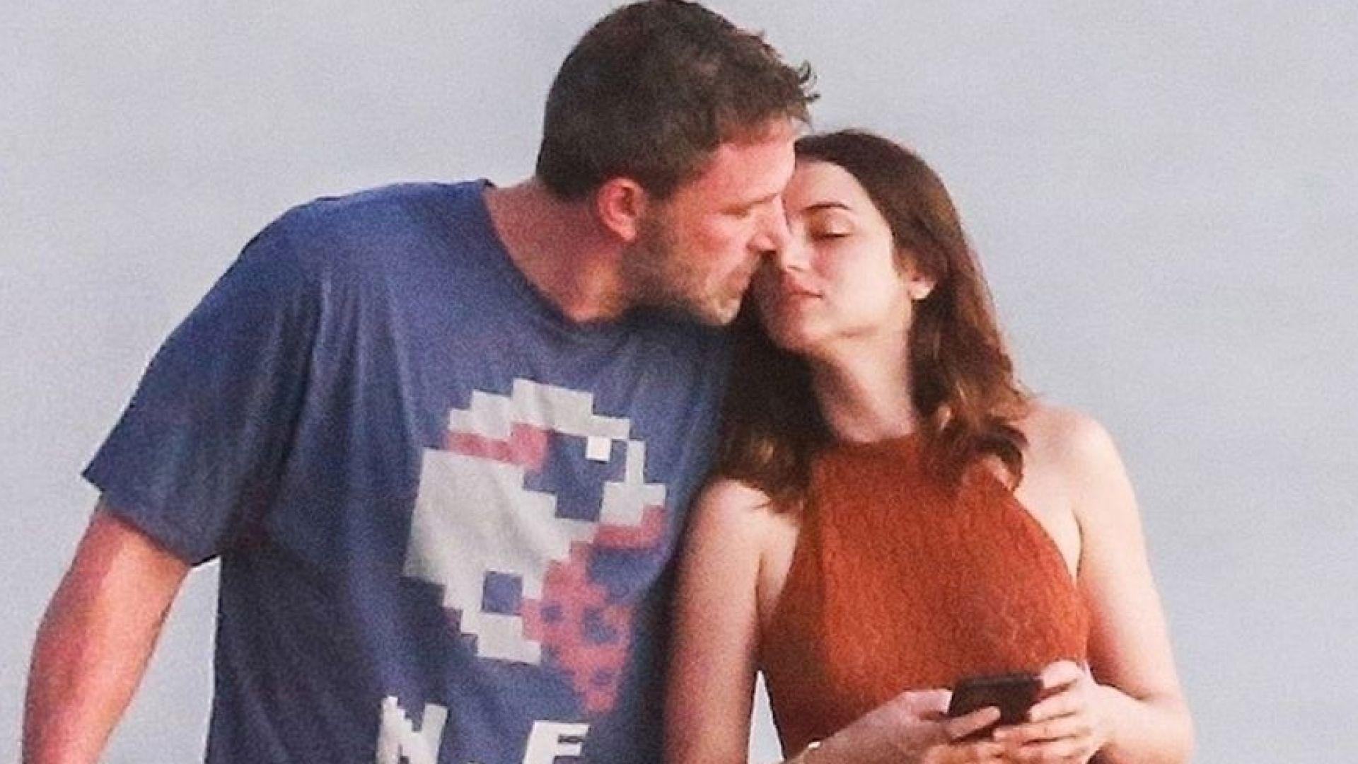Бен Афлек на романтична ваканция с новата си любов в Коста Рика