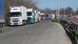 """6 км опашка от камиони на """"Дунав мост"""""""