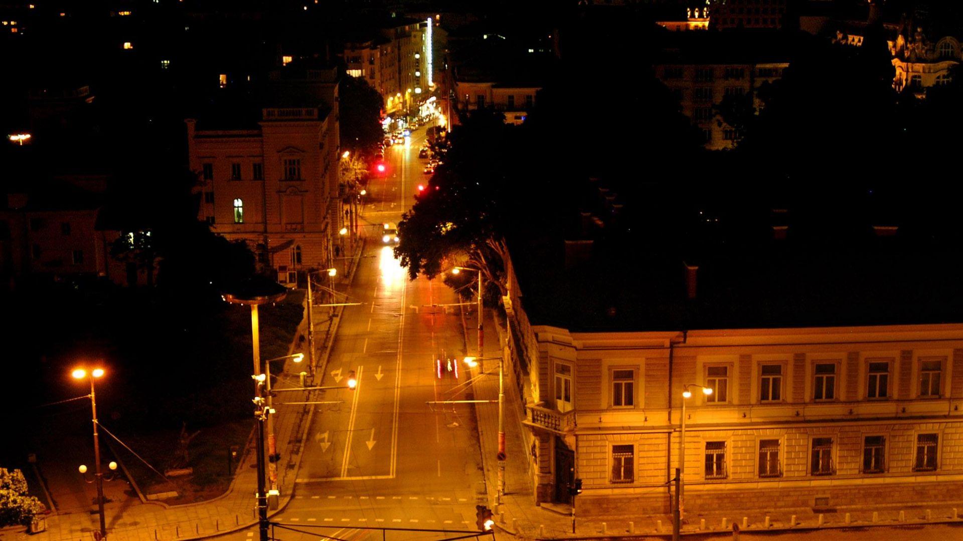 Заведения в центъра на София и в Студентски град работили през нощта въпреки забраната