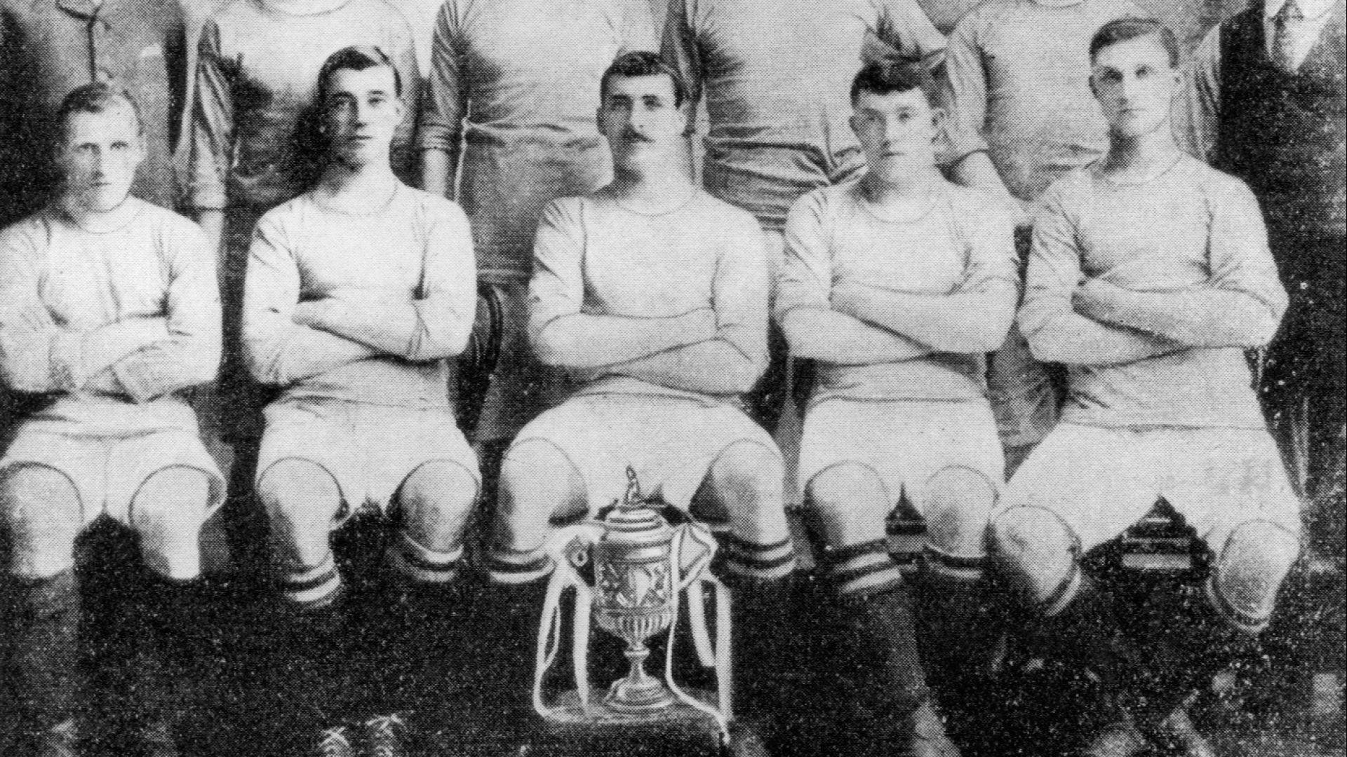 Без УЕФА, хакери и милиони: Как преди 115 г. Сити вече е наказван за измама