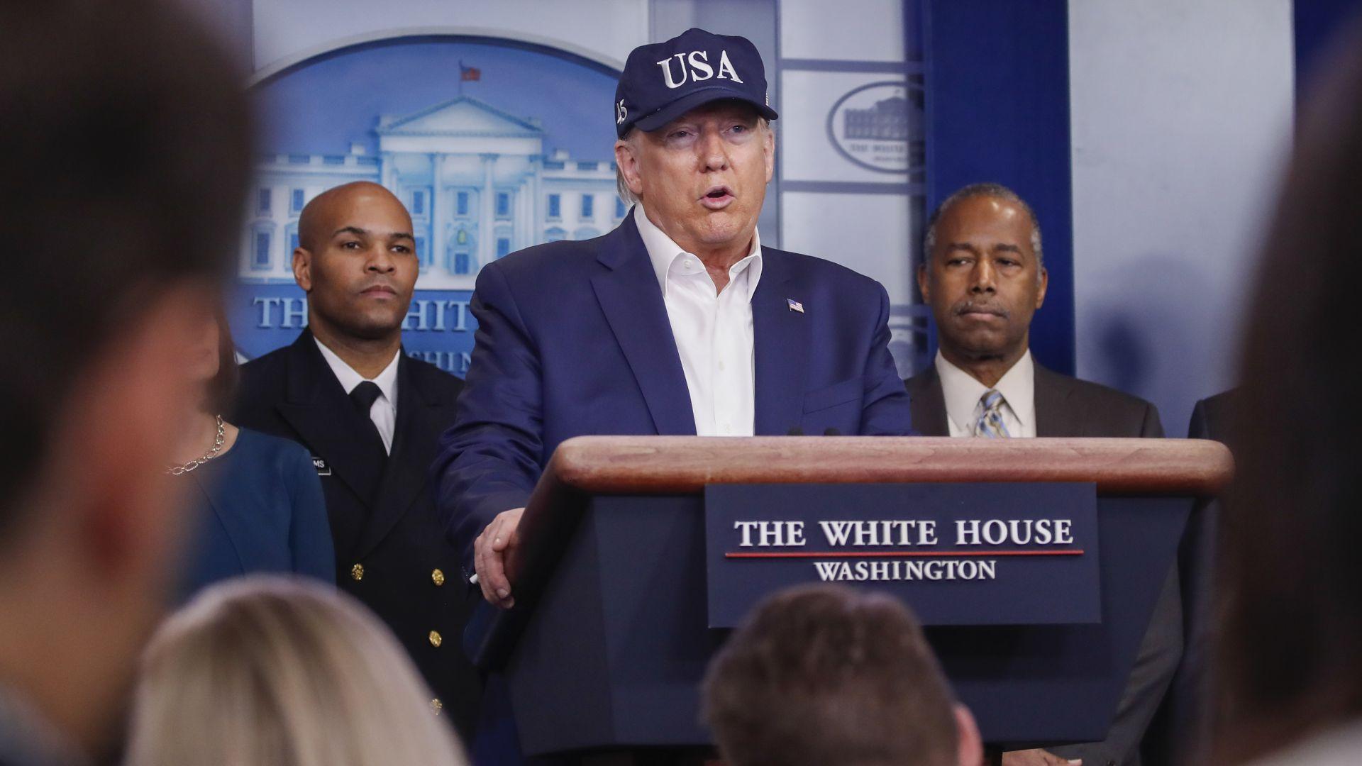 Тръмп се подложи на тест и обяви: И пътници от Великобритания и Ирландия няма да влизат в САЩ