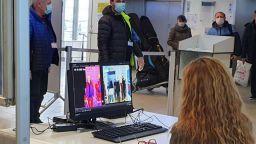 Отцепиха Летище София и автогарата заради пътници с висока температура