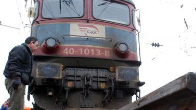 """Пускат влаковете през тунел """"Козница"""""""