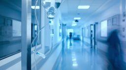 """Нова крачка към старото """"нормално"""": Разрешиха болничните свиждания"""