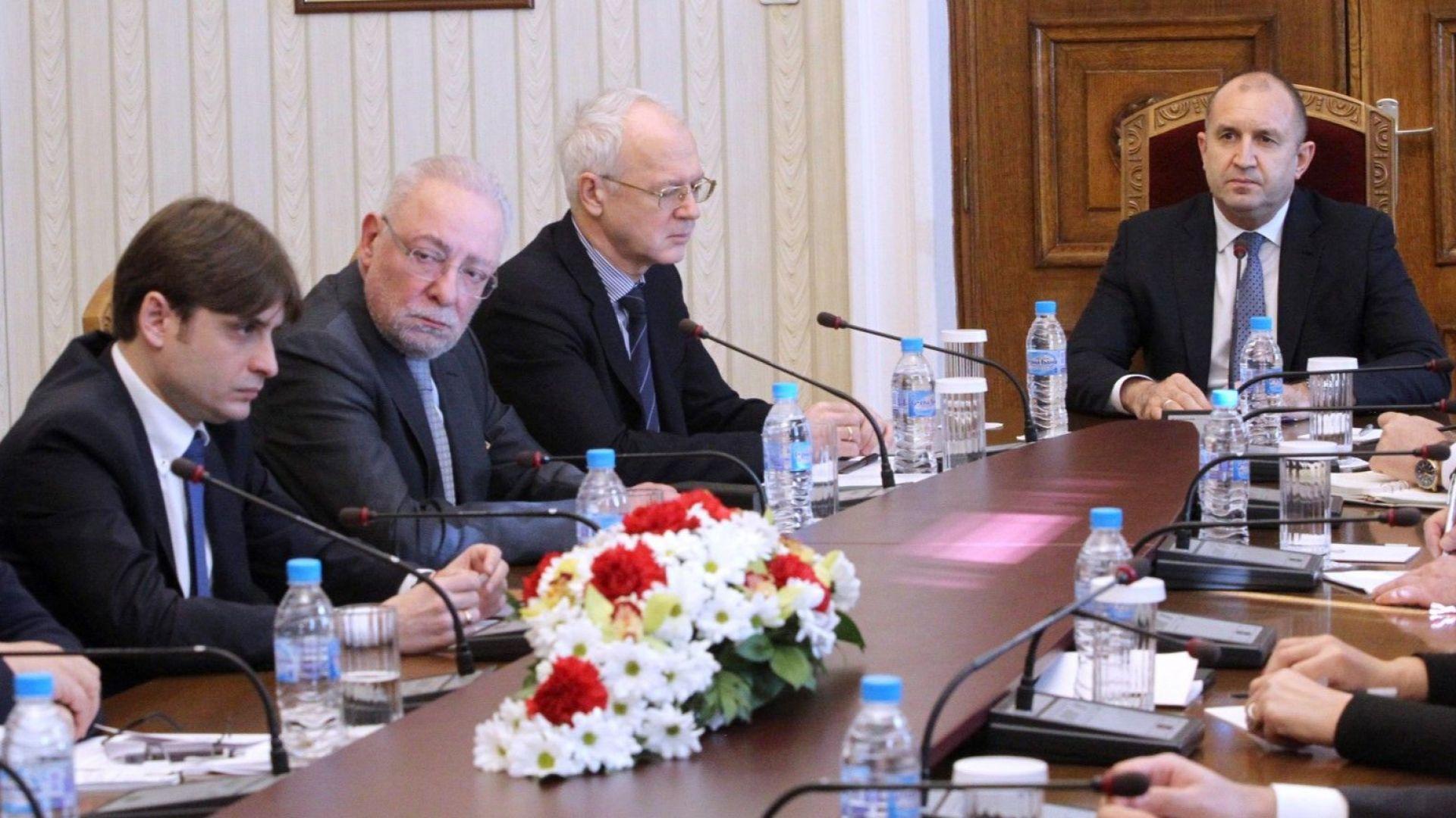 Президентът към бизнеса: Трябва да мислим за България след вируса