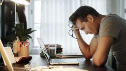 """ЕП предлага правото на """"откъсване"""" от работа да стане закон"""