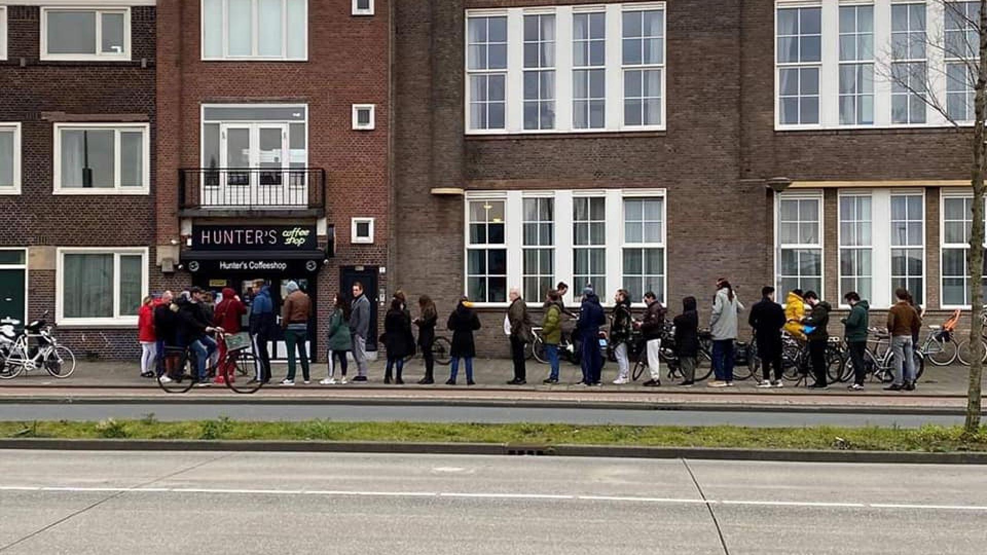 И в Холандия се извиха опашки, но за... марихуана, министър моли хората да не се презапасяват