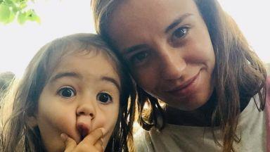 """Радина Кърджилова показа как се стои вкъщи с нейния """"малък Сънчо"""""""