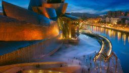 Обиколете над 1200 музеи и галерии в света, седейки си вкъщи