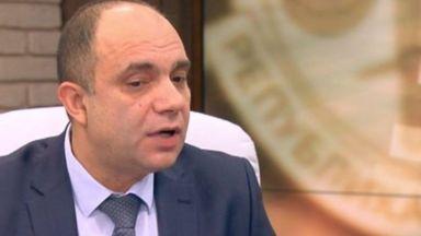 Задържаха адвокат на Цветан Василев за пране на пари