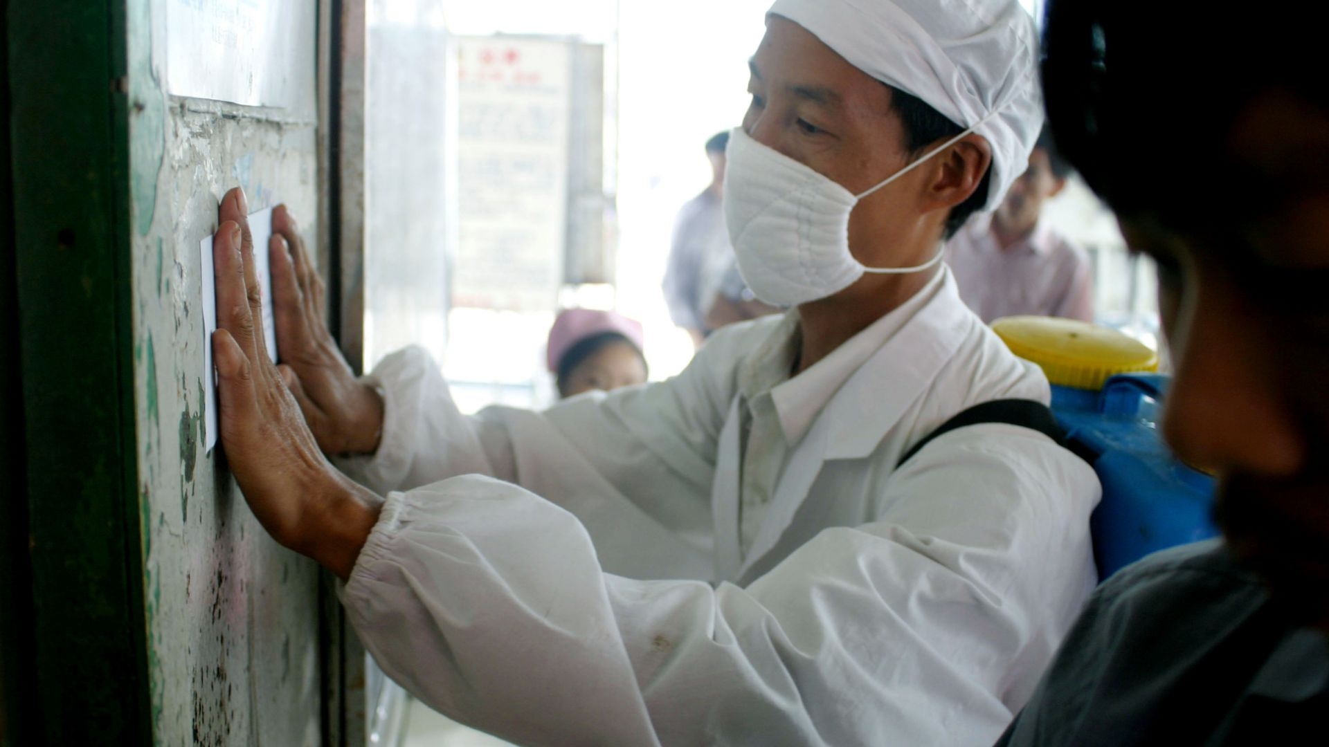Какво стана при пандемията SARS преди 17 г. в Китай. Учен от БАН разказва от първо лице (снимки)