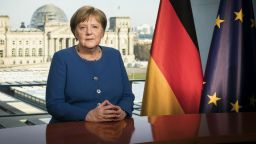 Ангела Меркел излезе от самоизолация