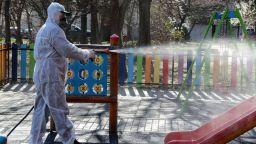Дезинфектират улиците сутрин в Пловдив