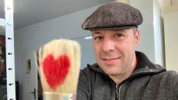 """Художникът Павел Митков започва кампания: """"Рисувай против вируса"""""""