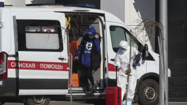 Какви мерки вземат в Русия за справяне с COVID-19