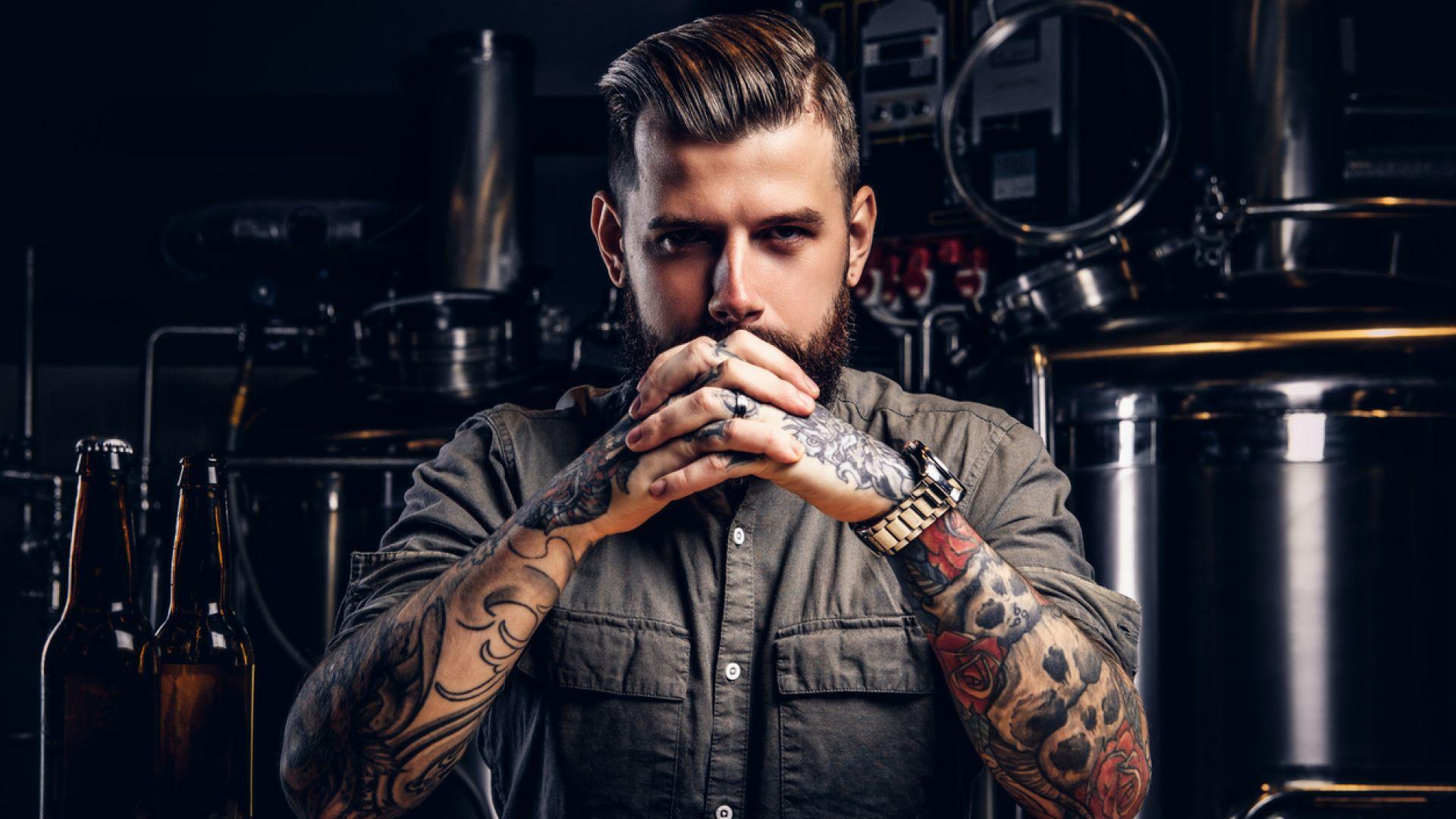 Мъжете с бради и татуси е по-вероятно да изневеряват
